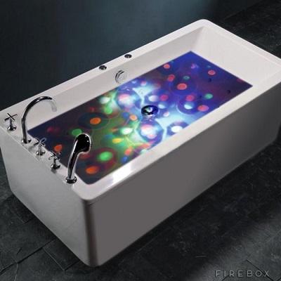 Deze lichtshow bol maakt van ieder bad een feestje