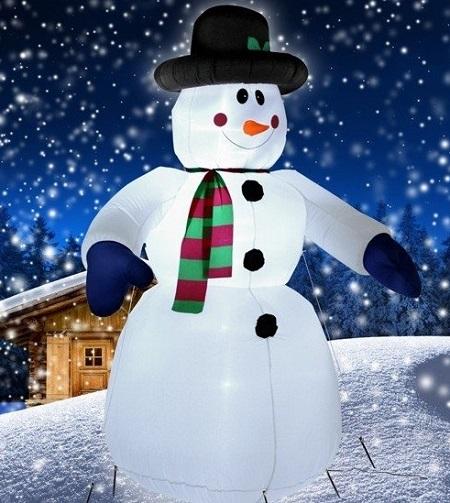 Opblaasbare sneeuwpop met LED verlichting. Leuke eye catcher in de tuin voor kerst.