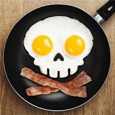 Bak eitjes in de vorm van een schedel met deze skull bakvorm.