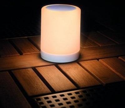 Moodlight tafellamp met RGB LED verlichting en ingebouwde Bluetooth speaker.