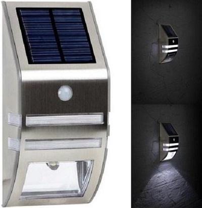 Solar muurlamp met bewegingssensor.