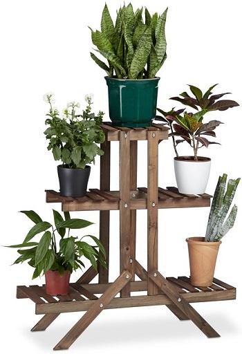 Houten plantenrek met 3 etages.