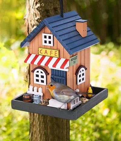 Vrolijk Vogelvoederhuisje – CAFE