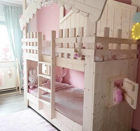 Schattig boomhut bed voor prinsesjes.