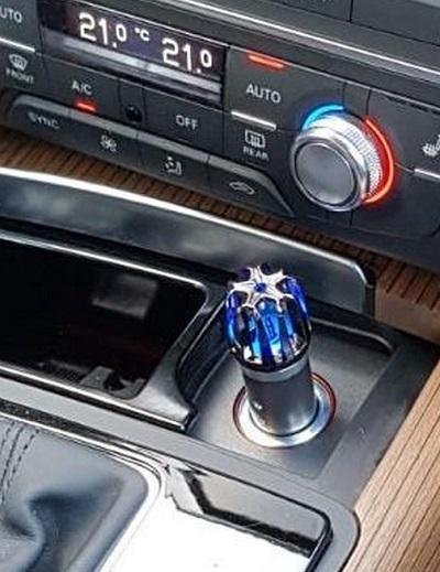Auto Luchtverfrisser met Ionisator – Tegen Rooklucht, Fijnstof en Hooikoorts – 12V