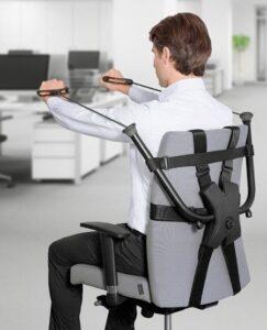 Stoel fitness apparaat met weerstandsbanden voor thuis of op kantoor.