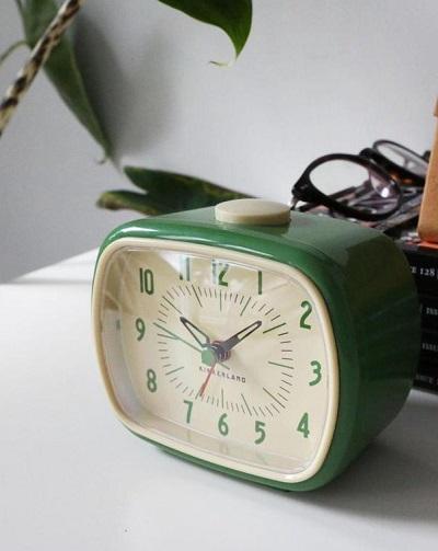 Retro Wekker – Wakker Worden Met een 70's Gevoel
