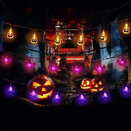 Halloween lichtslingers: pompoenen, vleermuizen en spinnen.