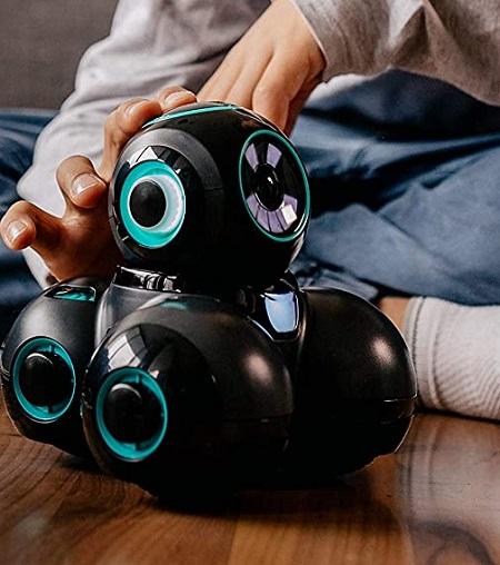 Cue – De Interactieve Robot die Kinderen Leert Programmeren