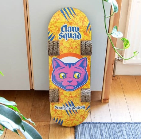 Onderkant van de skateboard krabpaal.