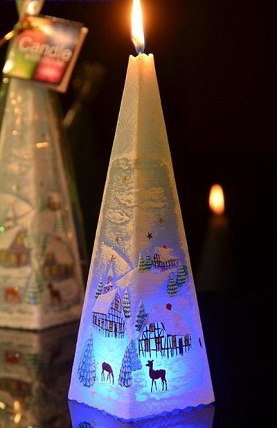 Sfeervolle kerst kaars met LED verlichting. Leuke kerstdecoratie.