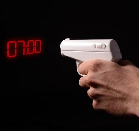 Met dit wekker pistool waan je je een ware James Bond.