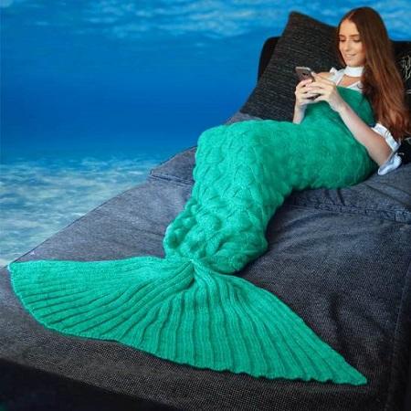 Zeemeermin deken. Lekker voor tijdens het lezen of tv kijken.