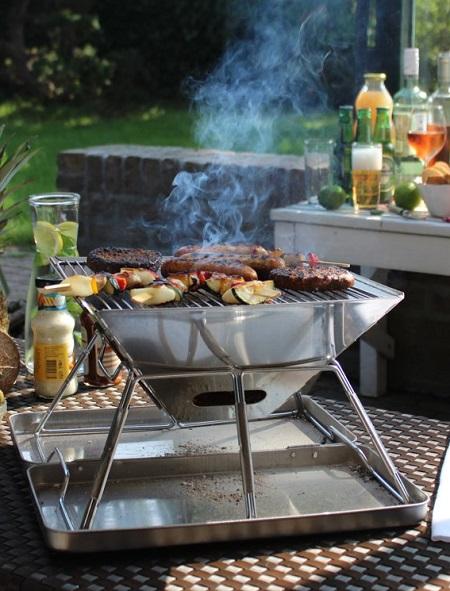 Handige opvouwbare barbecue. Perfect voor op de camping.