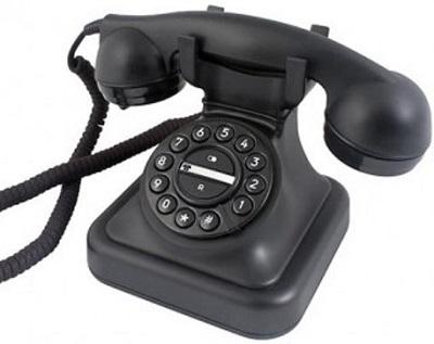 Met deze retro telefoon haal je een stukje nostalgie in huis, toen bellen nog gewoon bellen was... en niets meer.