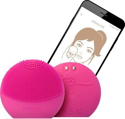 FOREO LUNA fofo slimme gezichtsreinigingsborstel met bijbehorende app.