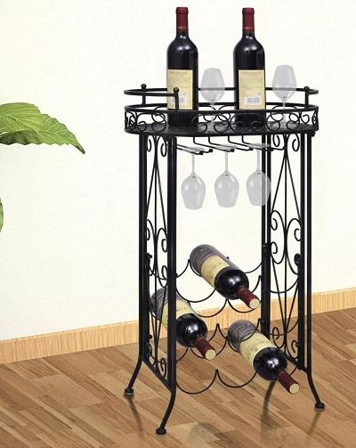 Stijlvol metalen wijnrek.