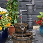 Waterornament - Waterpomp met Emmers