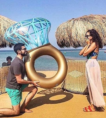 Opblaasbare diamanten ring zwemband.