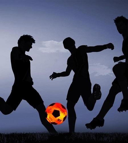 Voetbal met ingebouwde LED verlichting.
